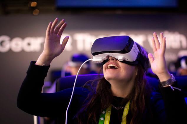 virtual reality explain